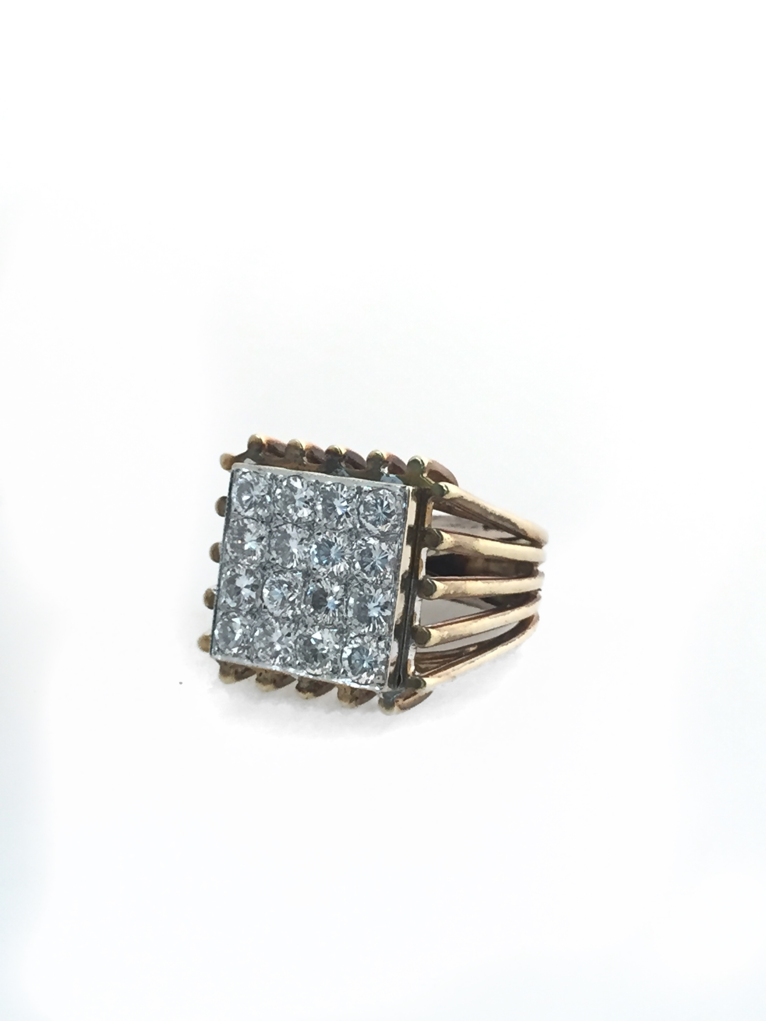 Men's 18K Yellow Gold Diamond Fancy Ring.