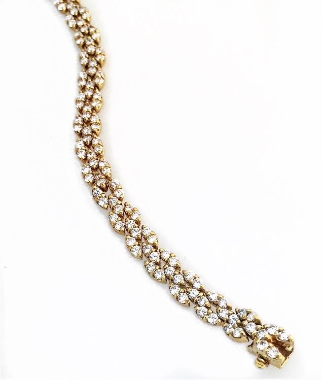 18K Yellow Gold Diamond Fancy Bracelet.