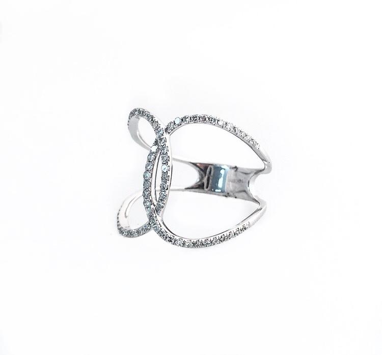 14K White Gold Interwoven Diamond Ring.