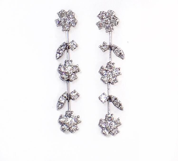 14K White Gold Diamond Flower Earrings.