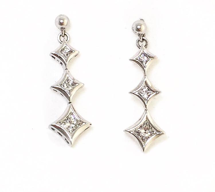 14K White Gold Diamond Drop Earrings.