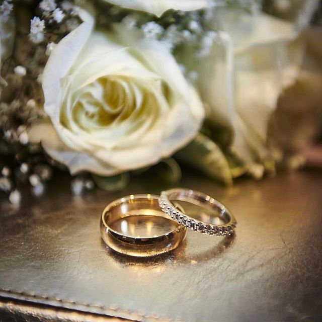 Loving this ring pic from @gracemarie1204 congratulations on your wedding day!!!
