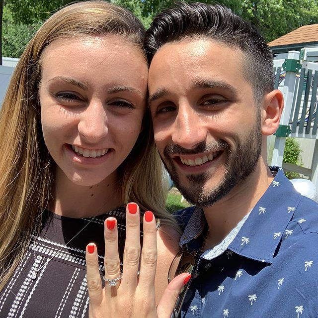 So excited for Nick and Emily on their engagement! Congratulations to you both!!💍 🎉 @nick_notjoe @emlukas #LiebrossJewelry