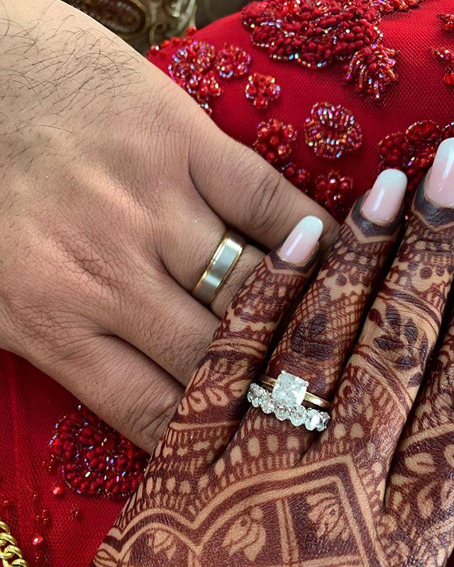 Beautiful close up from the newlyweds! Congratulations 💜🎉 @vsandhu226 @jk.g #LiebrossJewelry