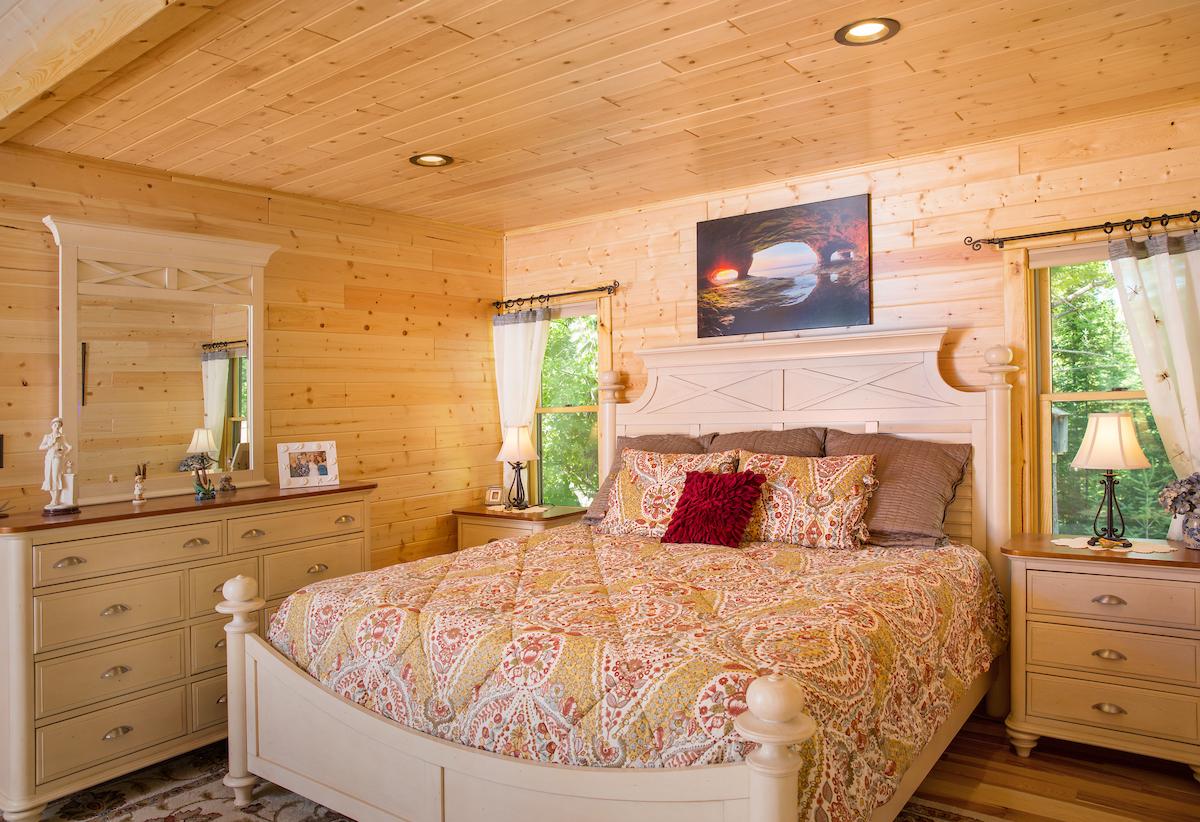 UPGC Michigamme Master Bedroom.jpg