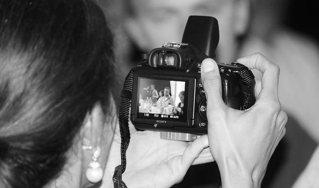 man-hands-photographer-cameras.jpg