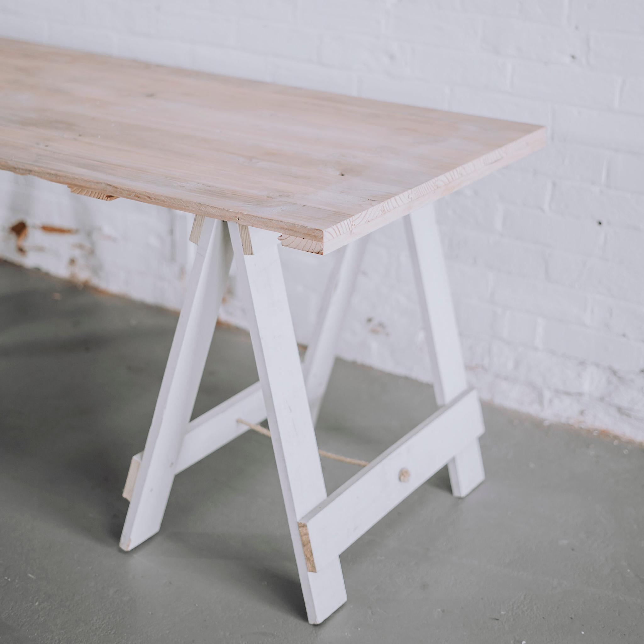 DF Trestle Table