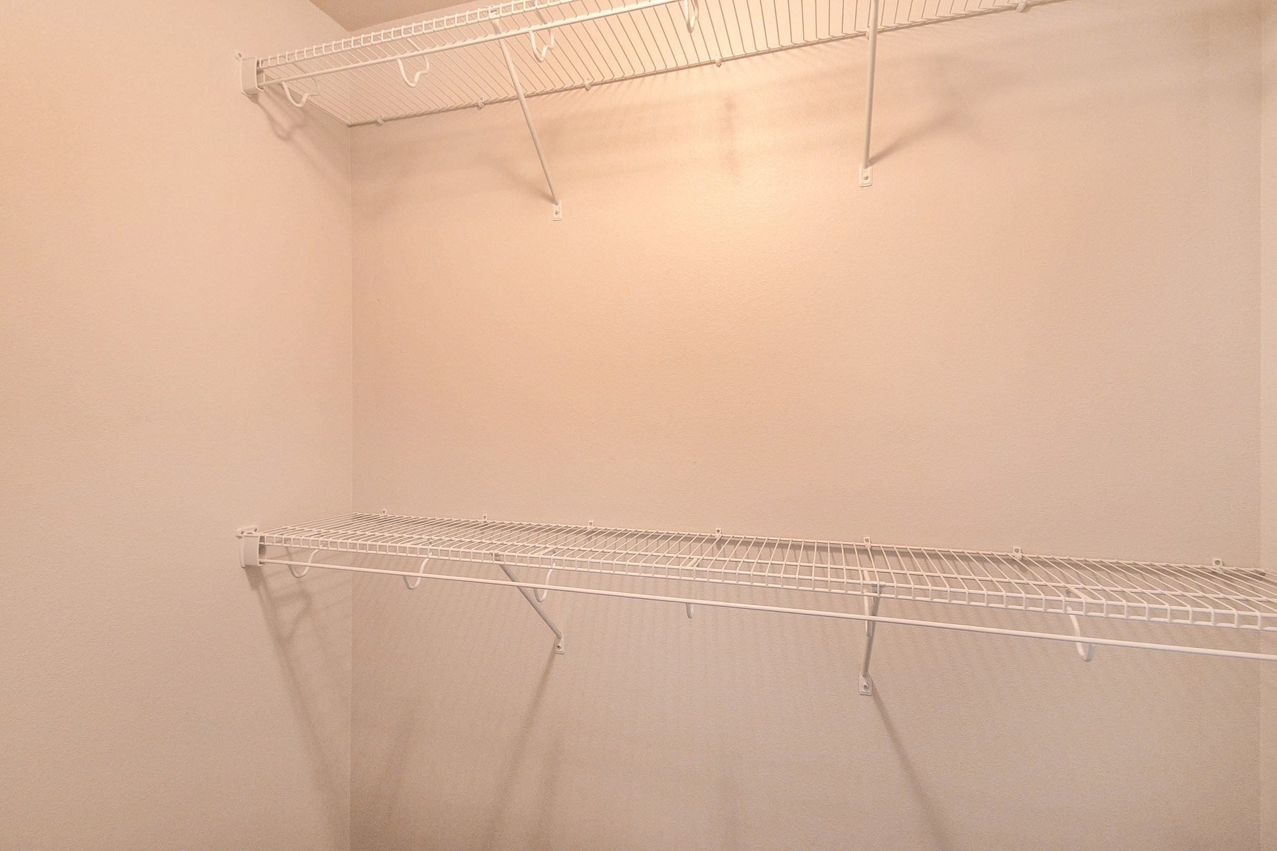 808_on_5th_project_MLS_HID1047709_ROOMmasterbedroomcloset517.jpg