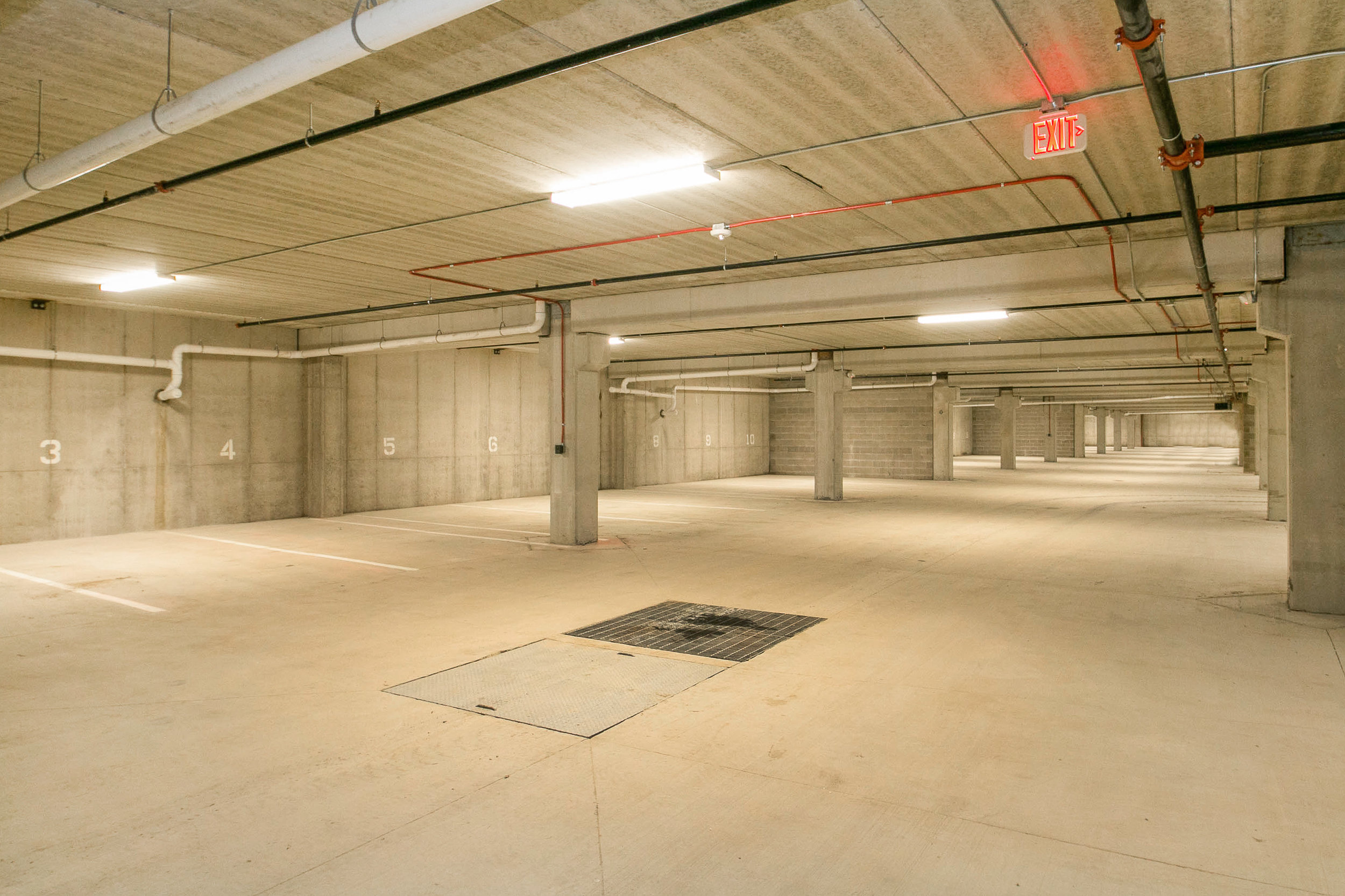 808_on_5th_project_MLS_HID1047709_ROOMgarage.jpg