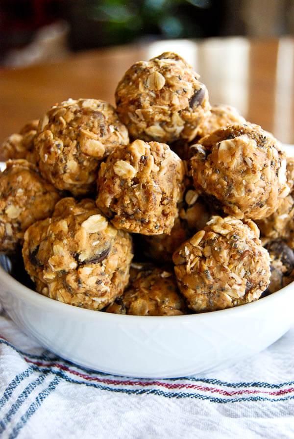 No Bake Peanut Butter Energy Balls Recipe