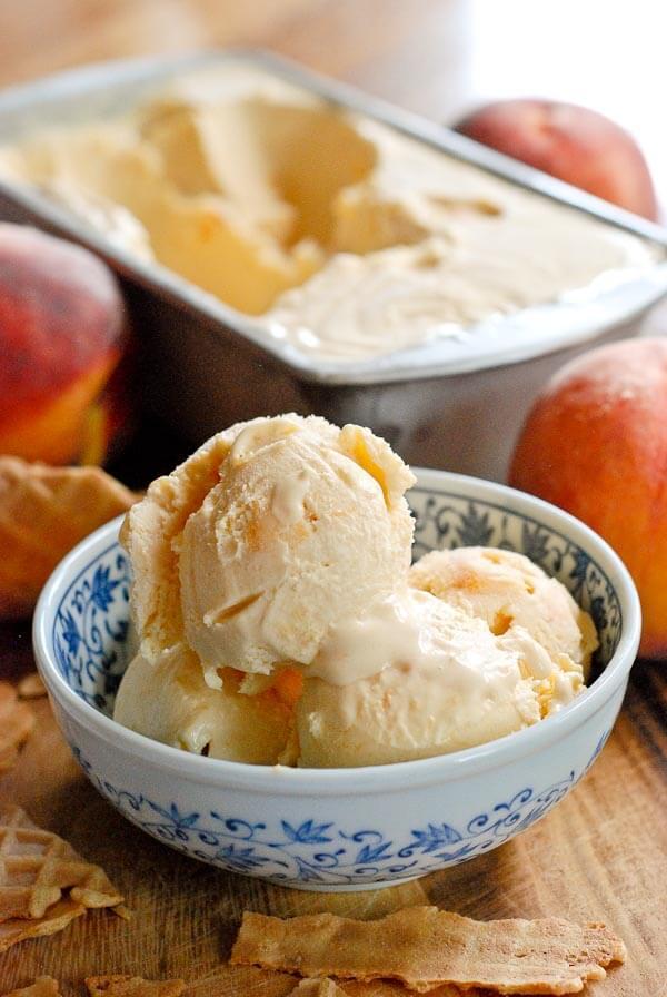 Homemade Peach Ice Cream