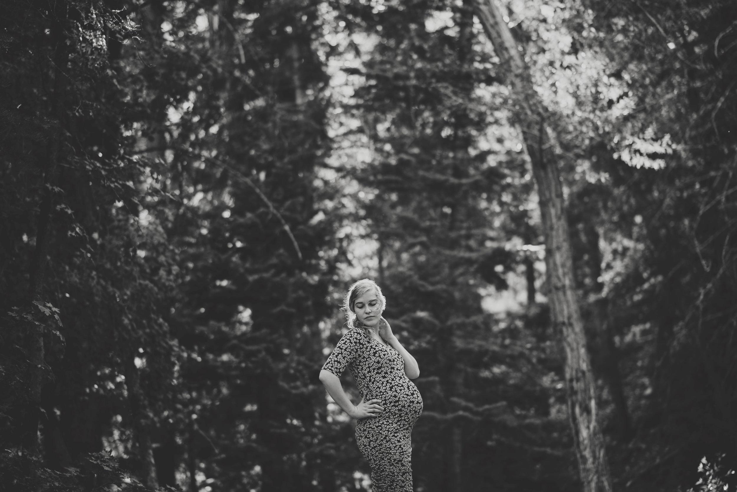 Kambrie_Landon_Maternity091bw.jpg