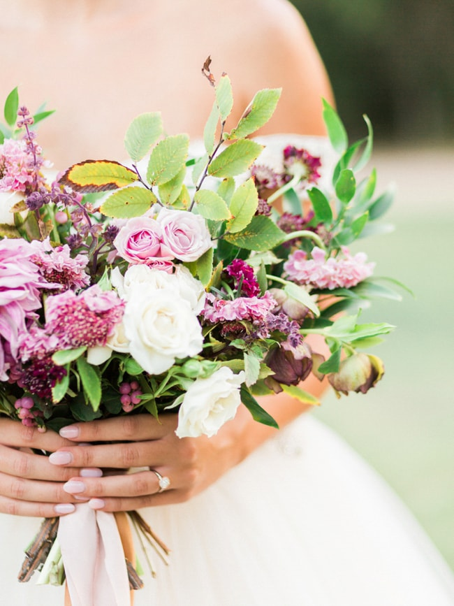 modern-cinderella-bride-at-white-sparrow-barn_-11-min.jpg
