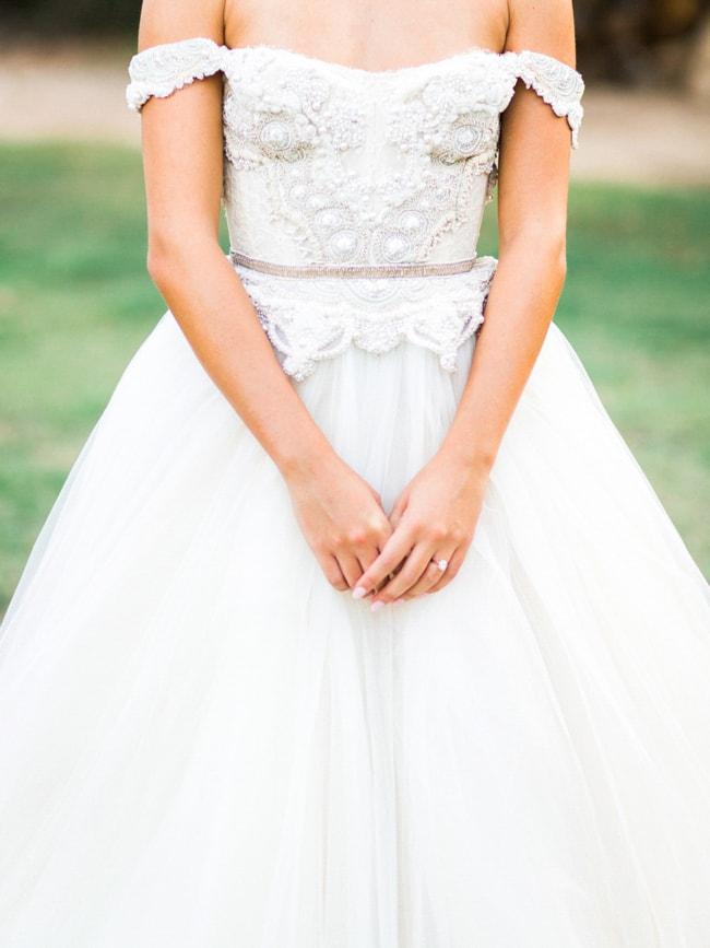modern-cinderella-bride-at-white-sparrow-barn_-7-min.jpg