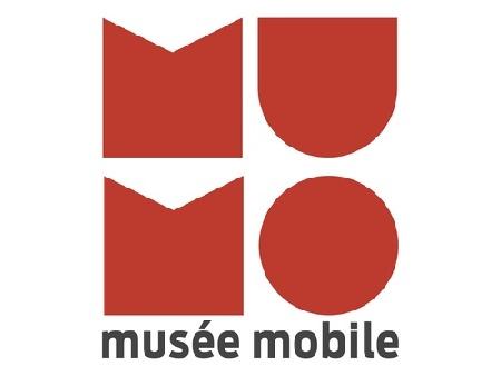 mumo-1f19c.jpg