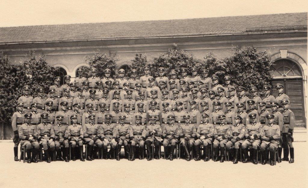 Das historische Foto zeigt die Lehrabteilung A aus dem Jahr 1941. (Quelle: Sven Deppisch)