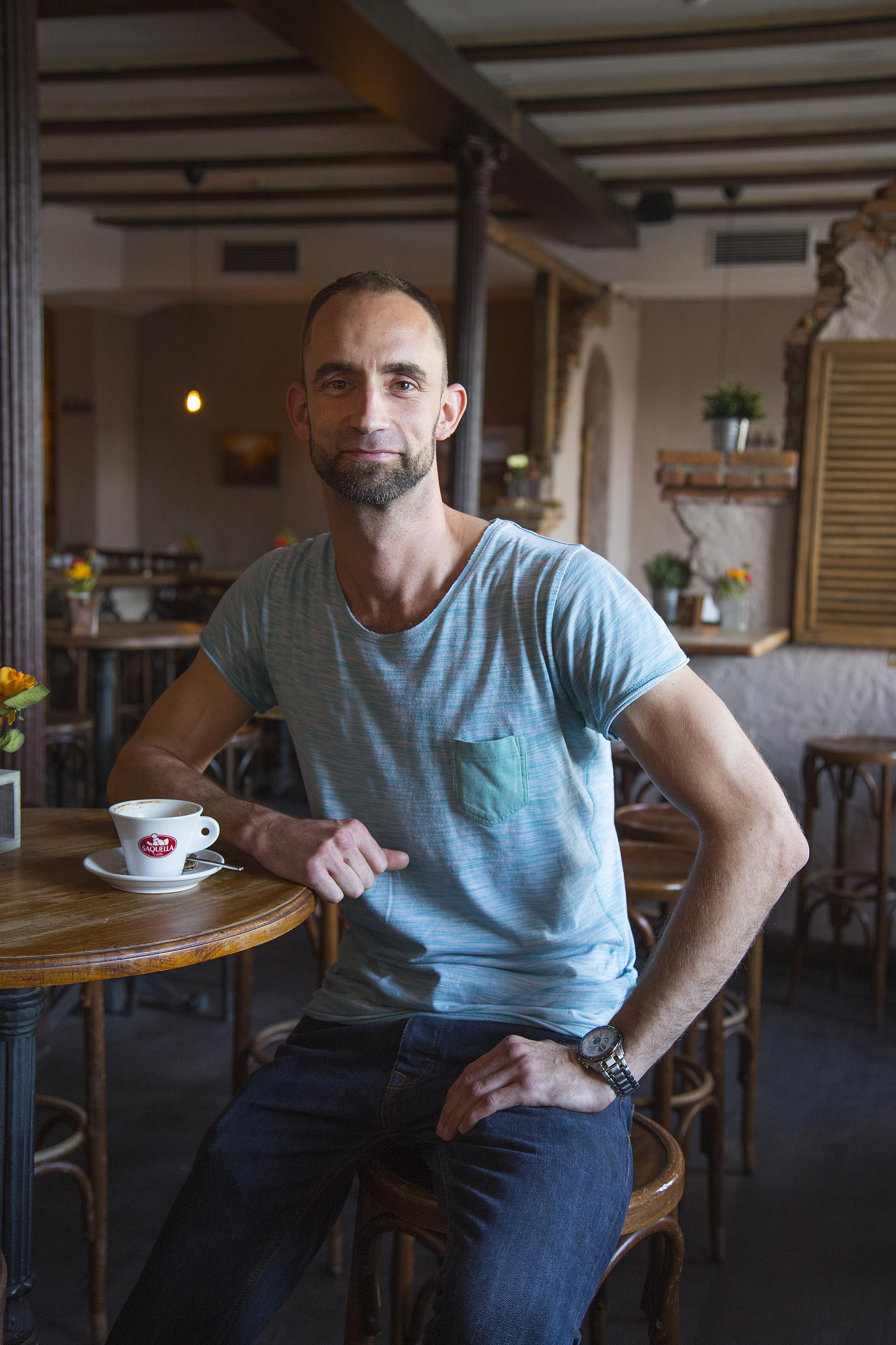 Der neue Betreiber Andreas Roth ist kein Unbekannter im Cantina. Bereits vor fünf Jahren arbeitete er dort als Barkeeper (siehe GUSTL Ausgabe 13/2013), jetzt ist er der Chef.