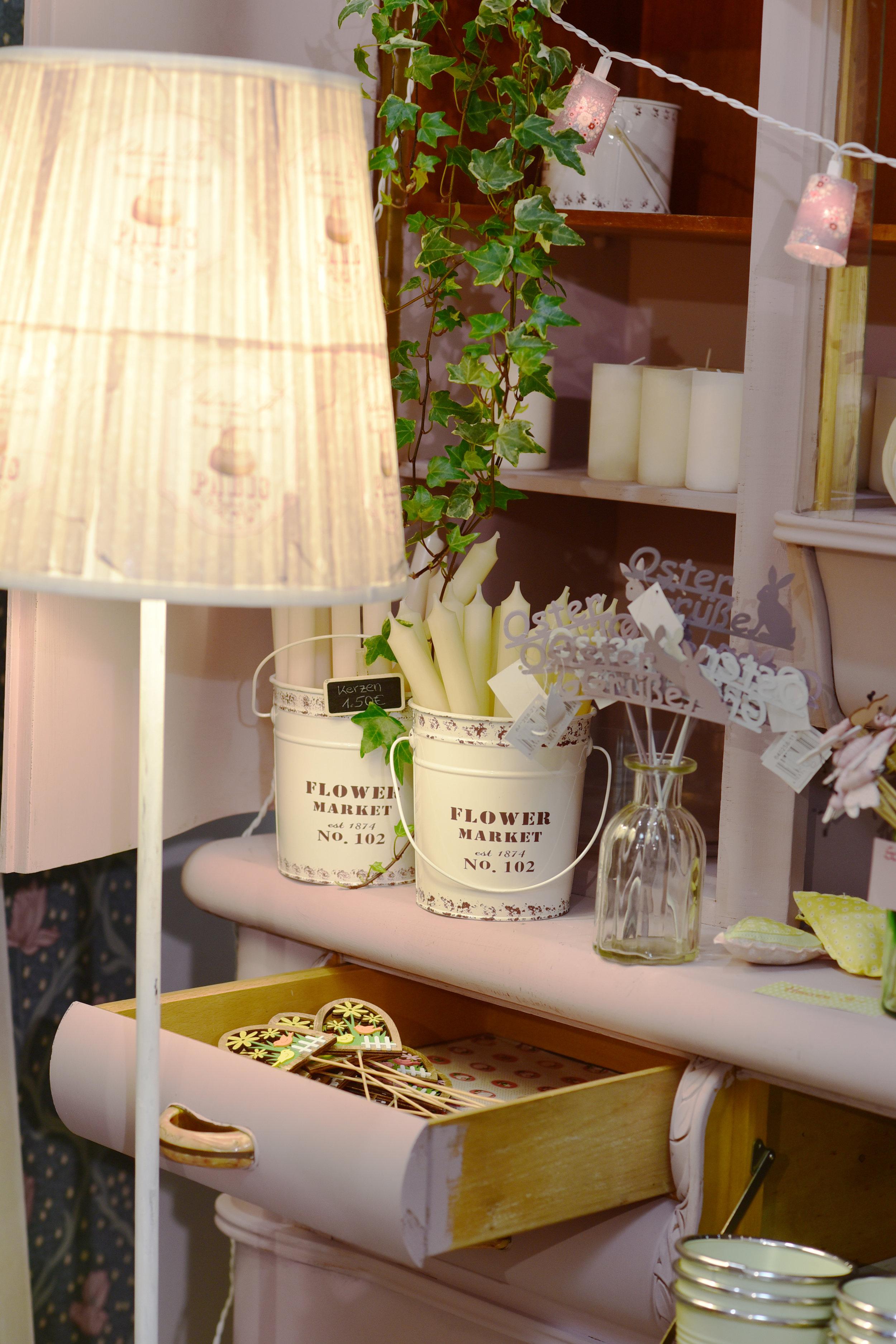 Zum Besprechen des Blumenschmucks für Hochzeiten hat Michaela Furthmann einen eigenen Raum eingerichtet.