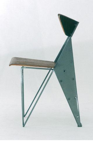 (via  Doknot » Some chairs by Jean Prouvé )