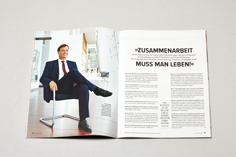 026_Allianz blau Magazin.JPG