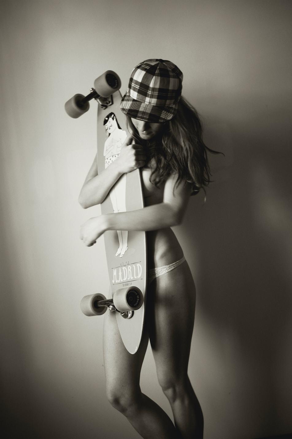 Longboard Girl, 2012 © Sonia Szóstak  courtesy the artist & No Wódka
