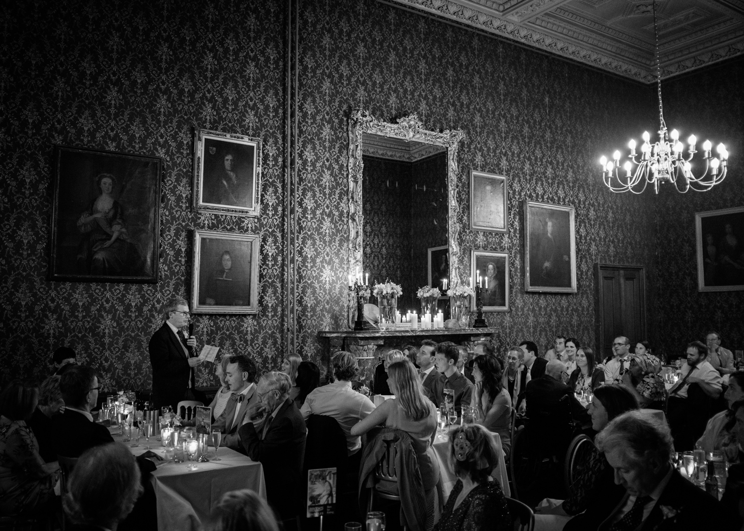 Wedding Photographer Rupert Marlow image of best mans speech