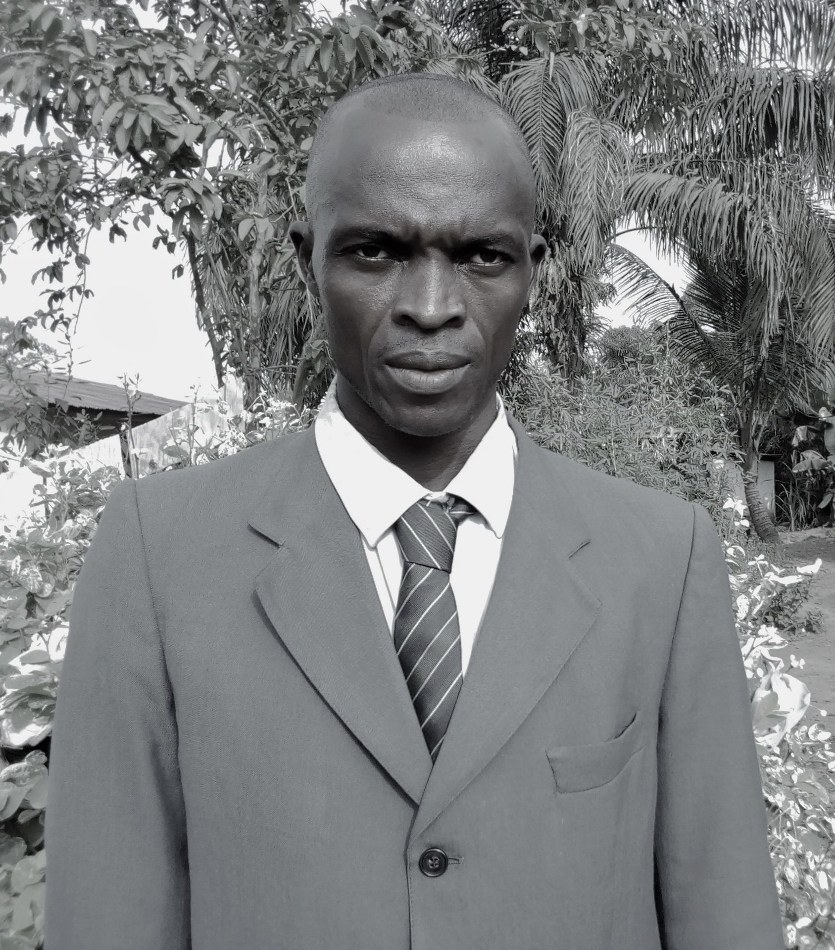 Alimamy Samura(Project Supervisor) - I am Alimamy Samura, born on the 27th day of November, 1977 in Lunsar Town. Lunsar Town is in Port Loko District in the Northern Province of Sierra Leone. I am a First Class Sierra Leonean citizen belonging to the Limba ethnic group. I did my Primary School Education at the Roman Catholic Primary School in Lunsar and further with my Secondary School Education at the Marampa Islamic Secondary School in Lunsar where I obtained a General Certificate of Education Ordinary level. I further did a three years course at the St. Joseph Vocational Institute in Lunsar and graduated with a General Certificate in Agriculture. Not finding any employment, I introduced commercial bike riding in Marampa Chiefdom and Lunsar in particular. After three years as commercial driver, I was employed as Field Monitor at Royail Integrated Agricultural Development Project in the year 2004. In 2007 I was employed by the St. John of God Food Security Development Programme as a Field Supervisor. I found myself out of job when the Programme faced out and been out of employment at the outbreak of the Ebola epidemic in Sierra Leone. I joined the Task Force Commanders in the fight against the Ebola Virus Disease. I was later employed as Tally Clerk at Dawnus International in 2015 where I served before the closure of the company. I now find myself working for Schools and Health Foundation as Project Field Supervisor.