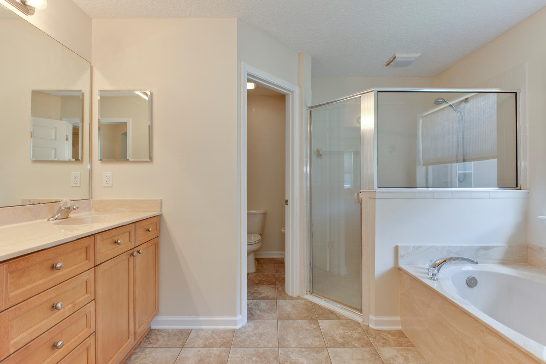 MBR Bathroom 2.jpg