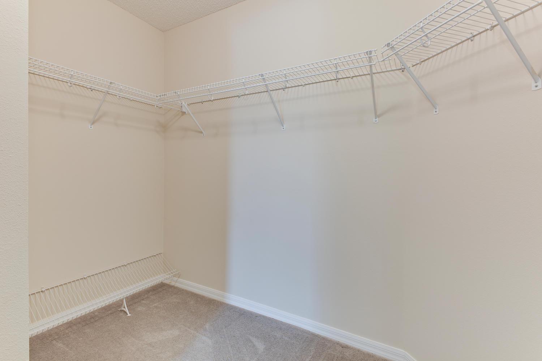 13806 Devan Lee Dr E-large-021-14-Master Bedroom Ensuite-1500x1000-72dpi.jpg