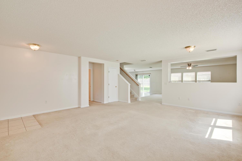 1052 Sunray Ct Jacksonville FL-large-012-8-Living Room-1500x1000-72dpi.jpg
