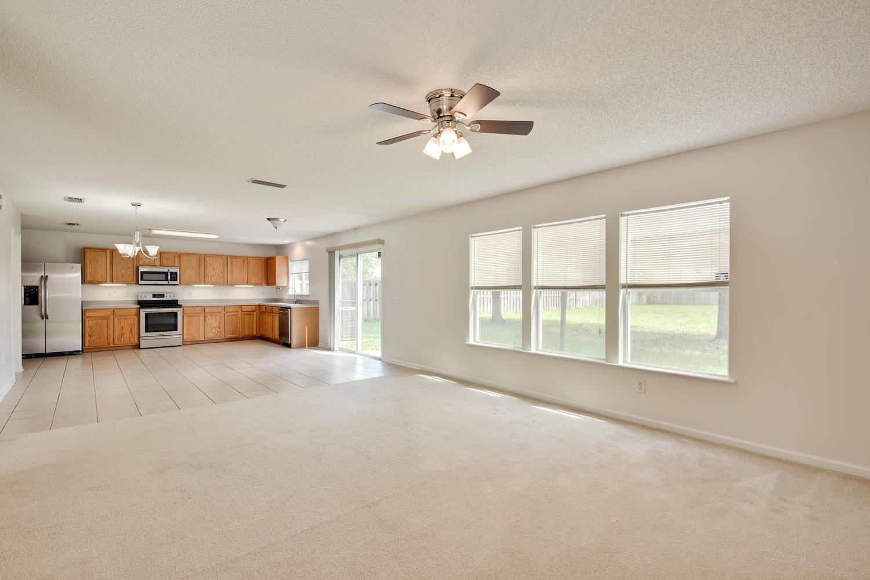 1052 Sunray Ct Jacksonville FL-large-015-18-Great Room-1500x1000-72dpi.jpg