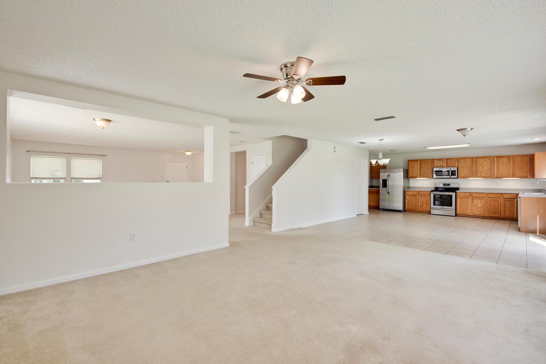 1052 Sunray Ct Jacksonville FL-large-016-19-Great Room-1500x1000-72dpi.jpg