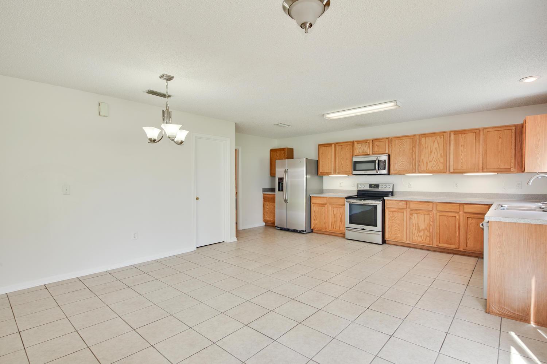 1052 Sunray Ct Jacksonville FL-large-020-35-Dining RoomKitchen-1500x1000-72dpi.jpg