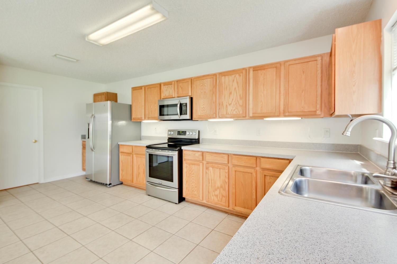 1052 Sunray Ct Jacksonville FL-large-022-6-Kitchen-1500x1000-72dpi.jpg