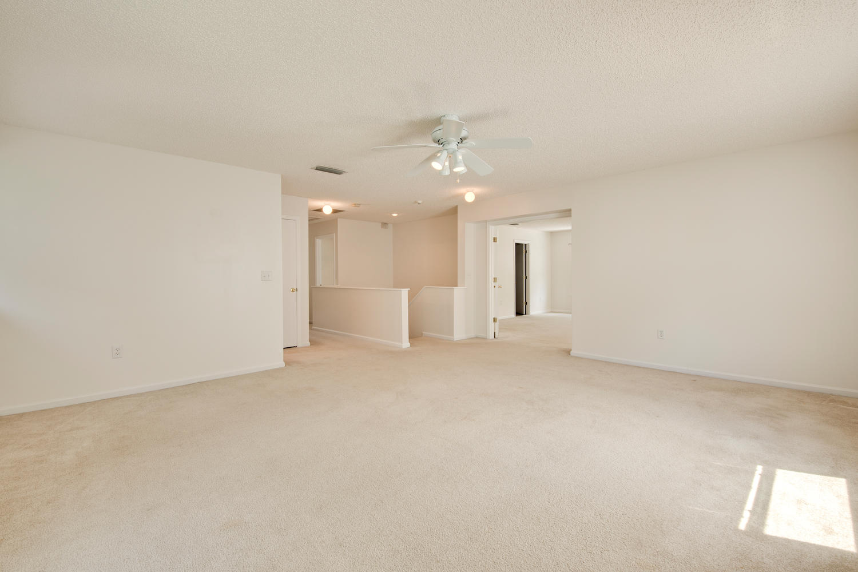 1052 Sunray Ct Jacksonville FL-large-028-9-Family Room-1500x1000-72dpi.jpg