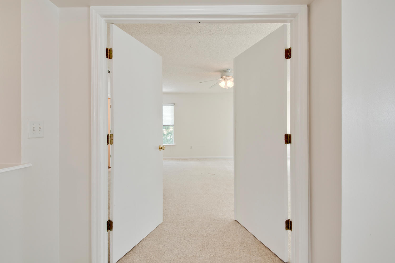 1052 Sunray Ct Jacksonville FL-large-029-24-Master Bedroom Ensuite-1500x1000-72dpi.jpg