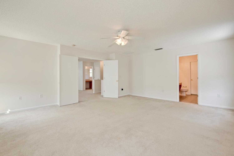 1052 Sunray Ct Jacksonville FL-large-031-23-Master Bedroom Ensuite-1500x1000-72dpi.jpg