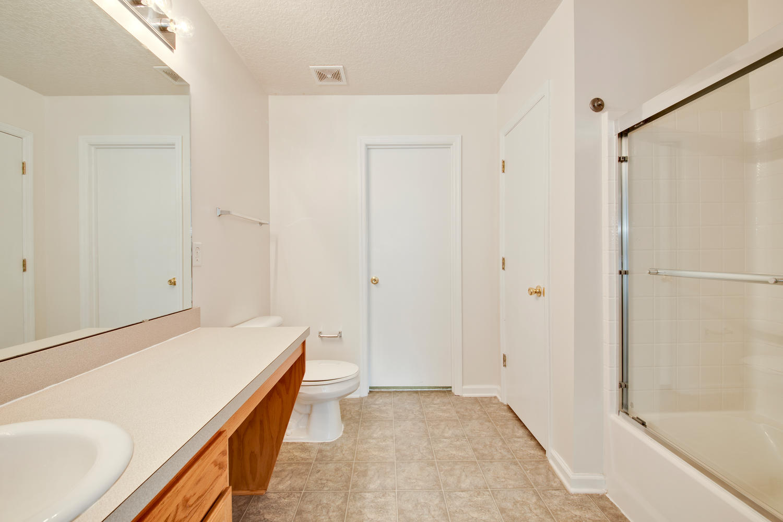 1052 Sunray Ct Jacksonville FL-large-032-30-Master Bedroom Ensuite-1500x1000-72dpi.jpg