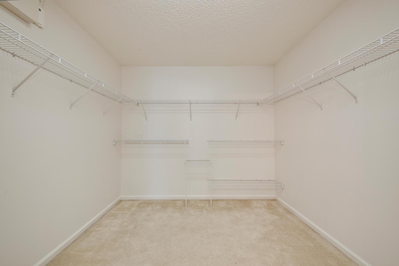 1052 Sunray Ct Jacksonville FL-large-033-26-Master Bedroom Ensuite-1500x1000-72dpi.jpg