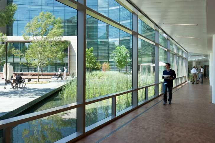 Figure 5. A breezeway is used as a community space and a corridor. Courtesy of NBBJ.