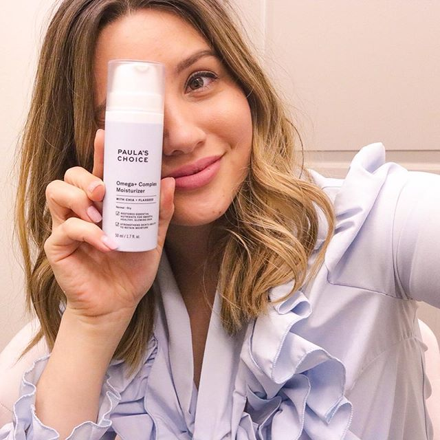 Been adding this Omega+ Complex Moisturizer by @paulaschoice to my nightly routine and after 3 days my face is as soft as a baby's bottom 👶🏻 #ad But really it is so soft and I love the texture of the cream! Love that #paulaschoice uses all natural ingredients🌿 I'll be sure to keep y'all posted on my thoughts as time goes by!☺️ #omegaglow #pcomega #glowhigher #naturalskincare #naturalmoisturizer