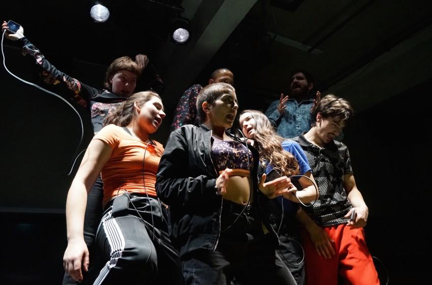 ZUCKEN (2017) directed by Sebastian Nübling for Junges Theater Basel