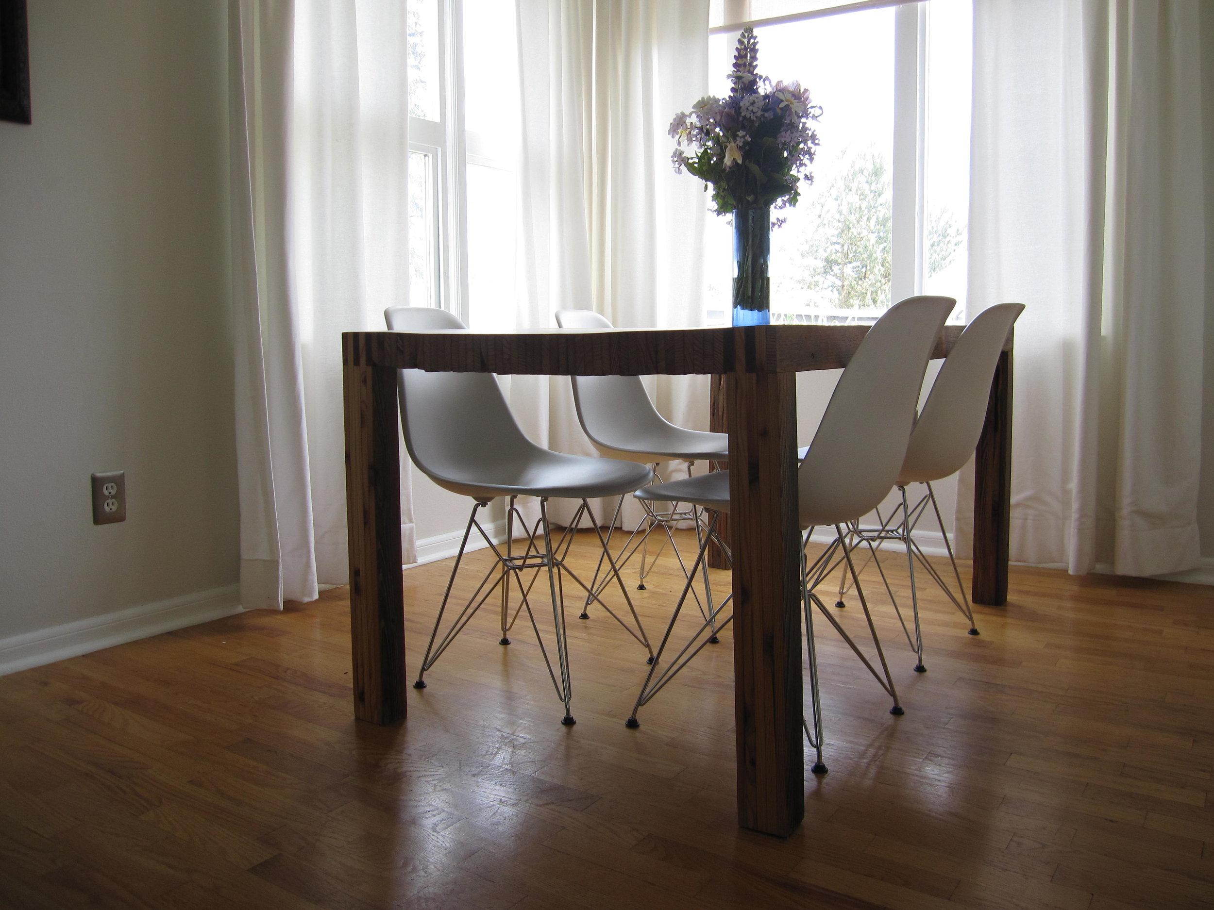 table-in-michael-and-kari-lises-dining-room_7243256652_o.jpg
