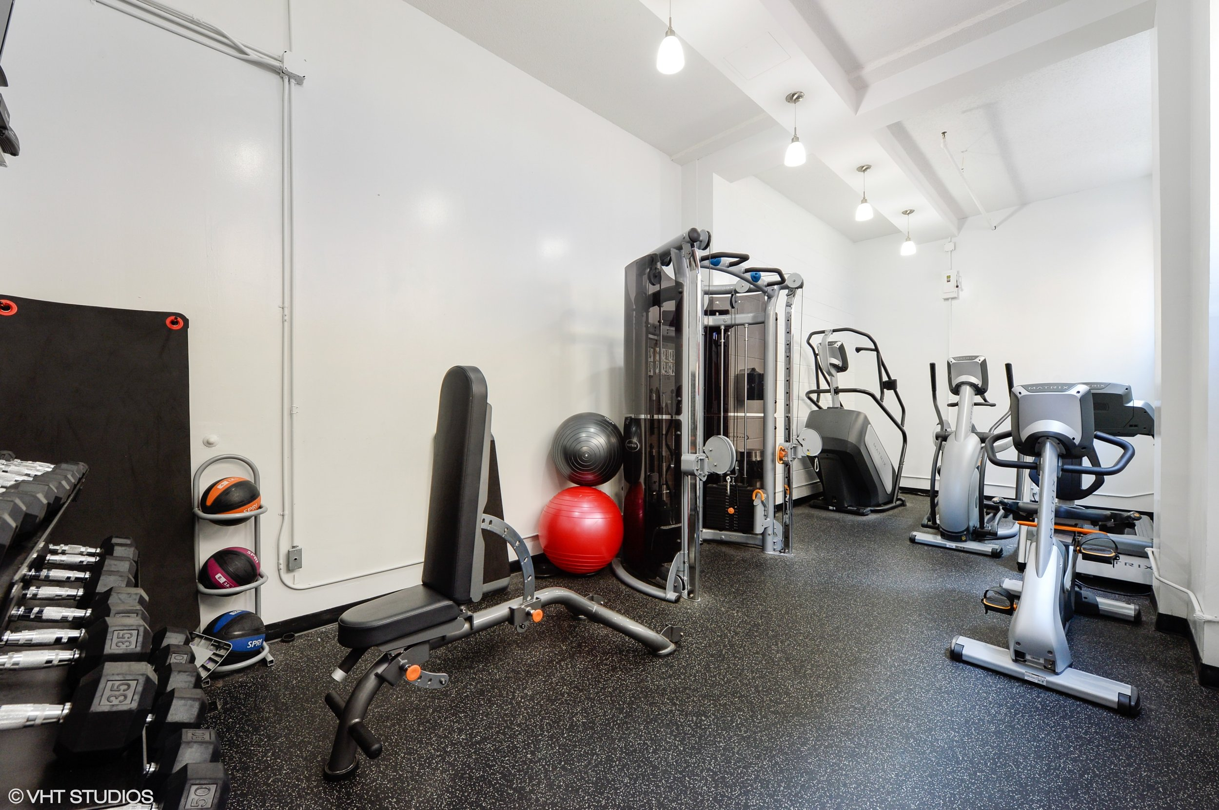 10_600SDearbornSt_Unit1307_157_Gym_HiRes.jpg