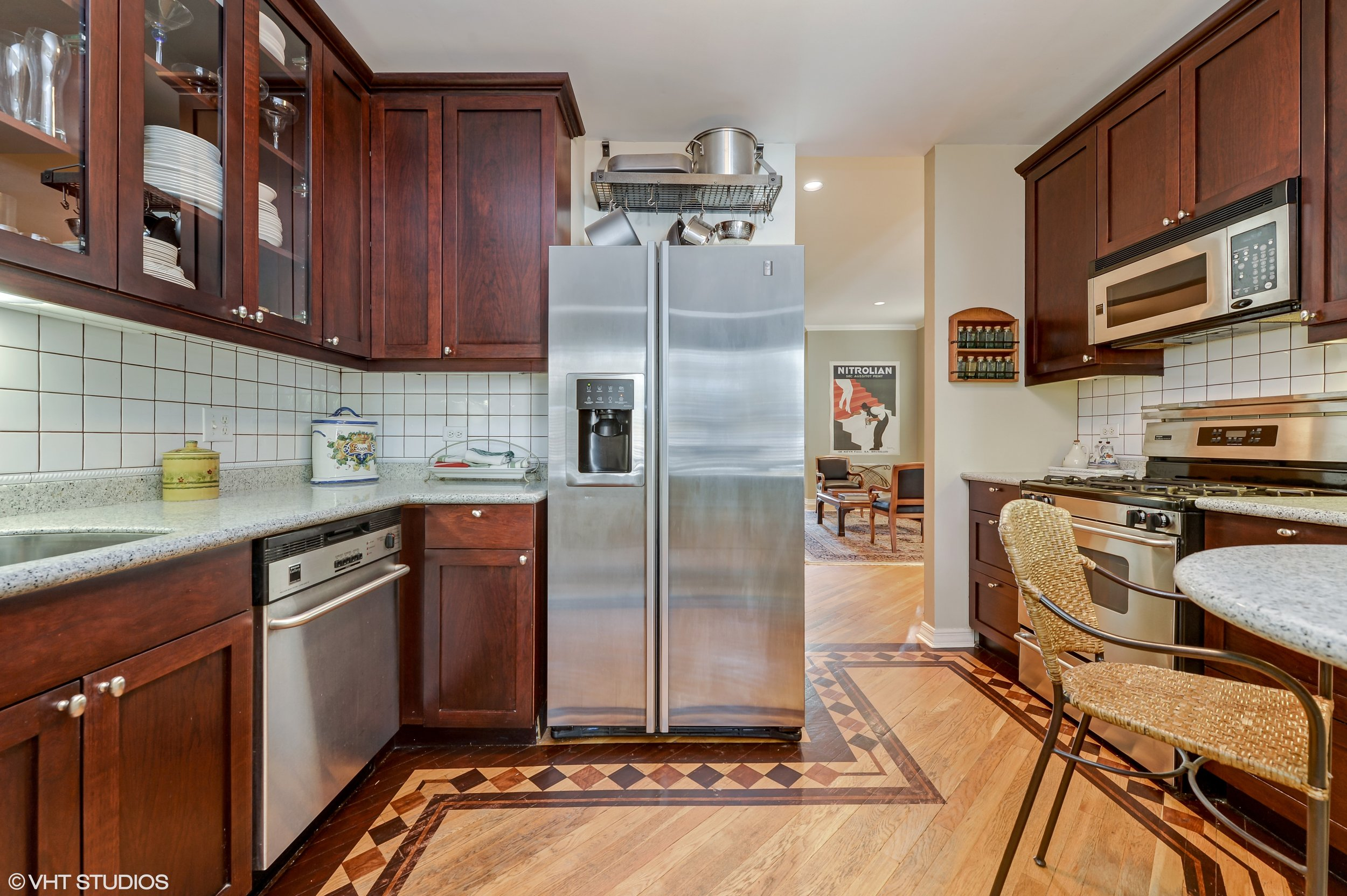04_2730NorthRacineAve_1N_5_Kitchen_HiRes.jpg