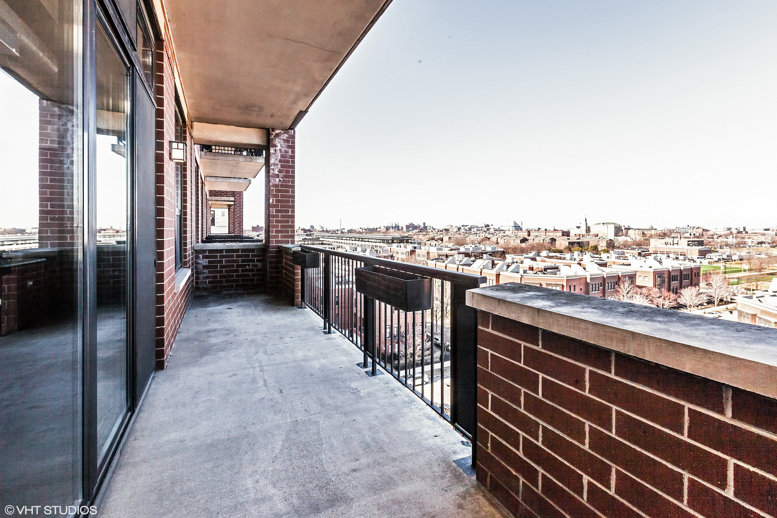 10_833West15ThPl_704_99_Balcony_HiRes.jpg
