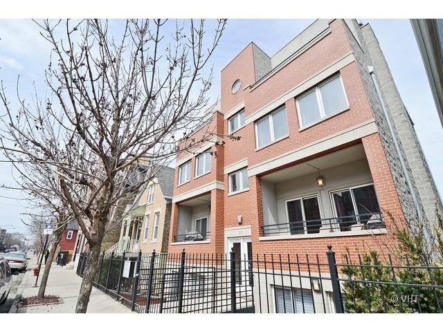 2126 W Armitage Ave -