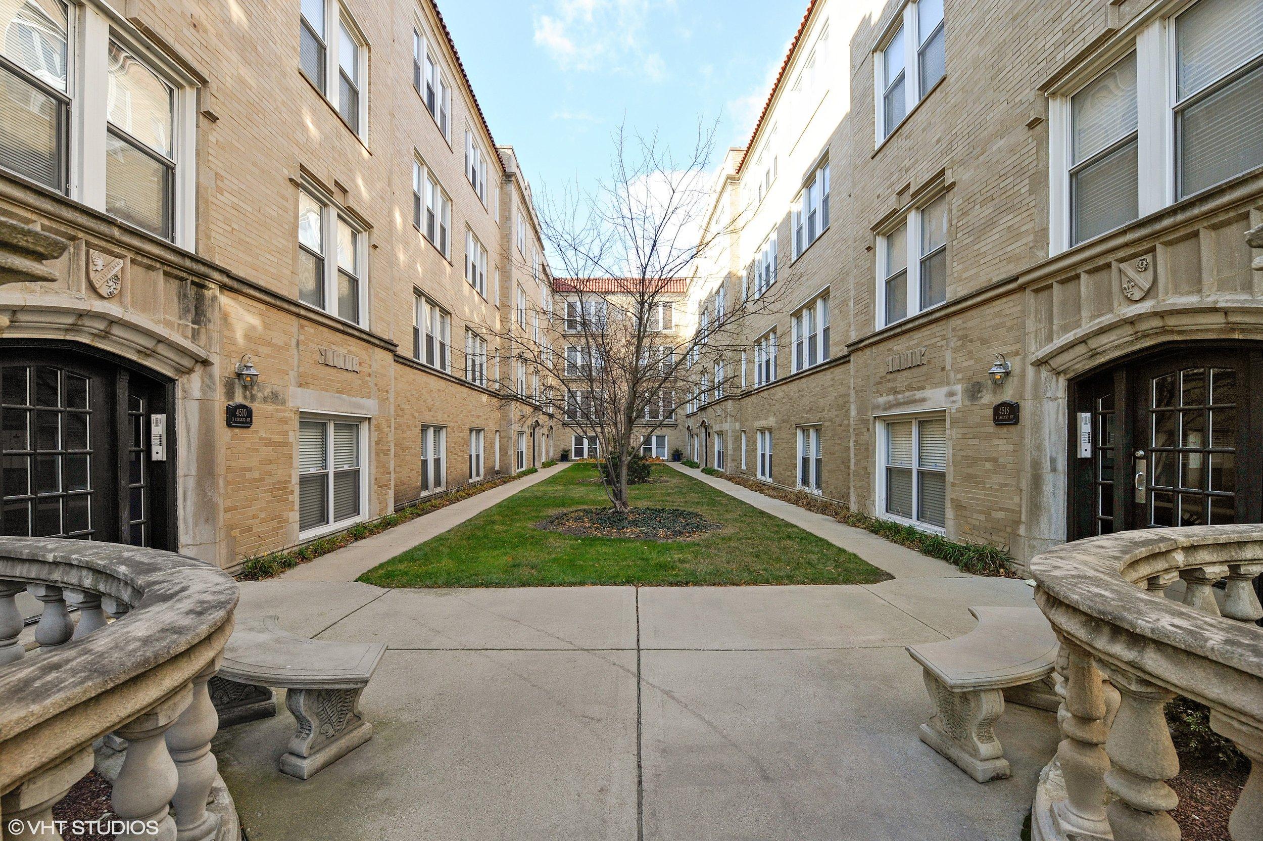 4512 N Ashland Ave -
