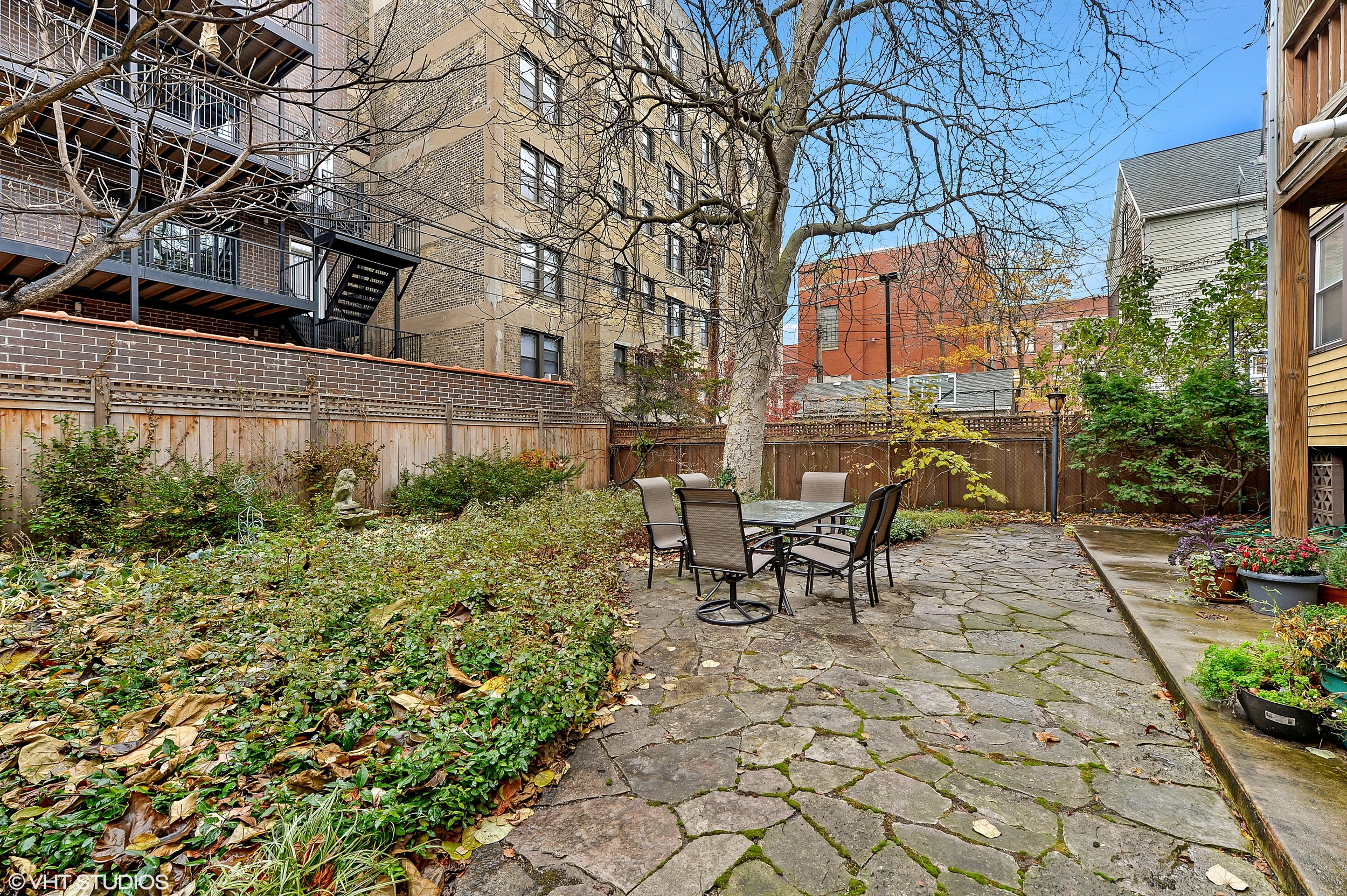 14_644WMelrose_Unit2E_85_Patio_HiRes.jpg