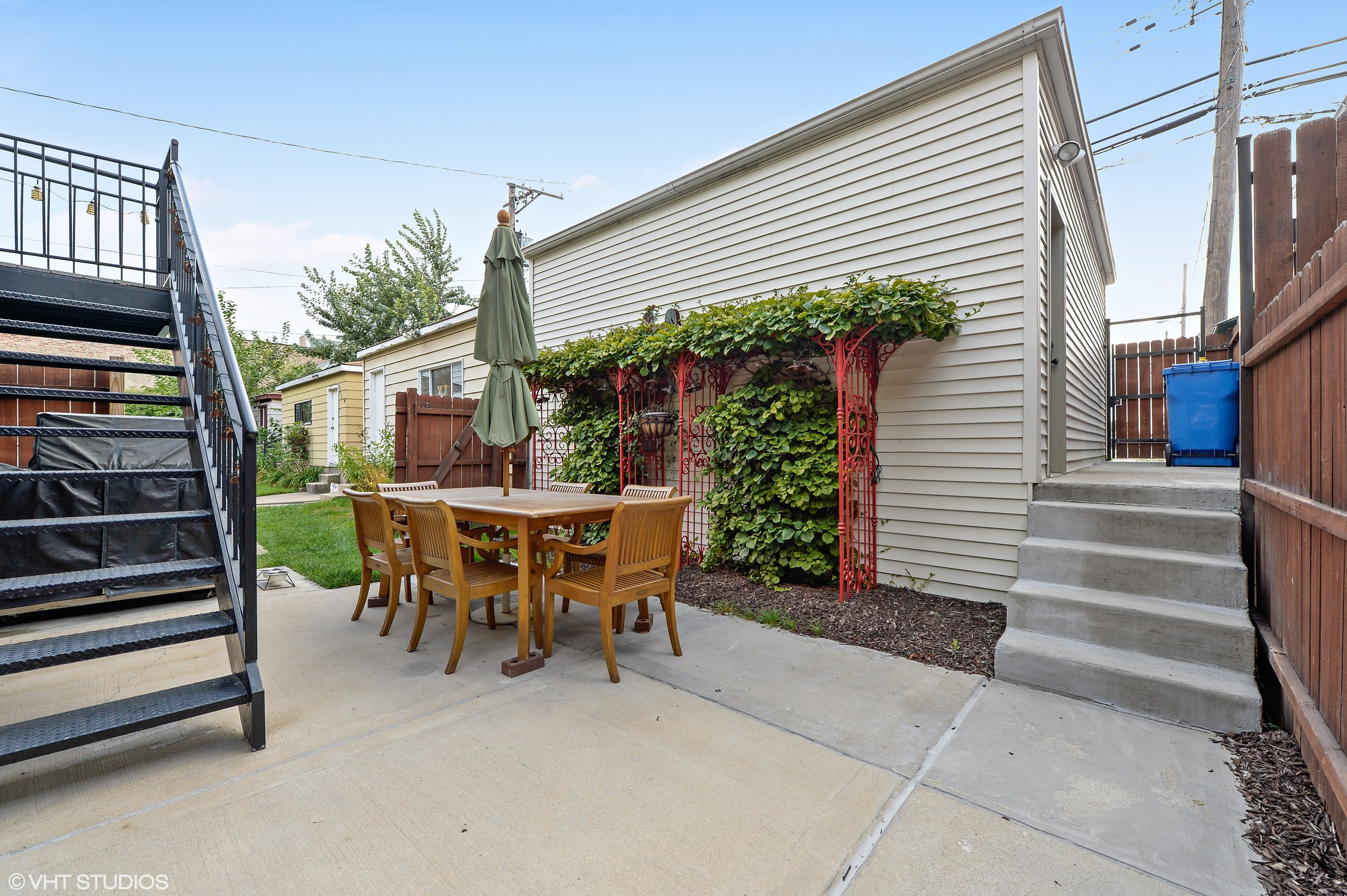 22_3212SouthThroopSt_85_Patio_HiRes.jpg